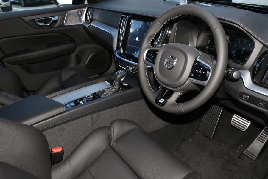 2020 Volvo S60 Z Series T5 R-Design Sedan Image 10