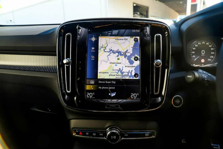 2020 Volvo XC40 T5 R-Design Suv Mobile Image 11