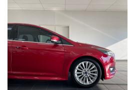 2015 Ford Focus LZ Sport Hatchback Image 3