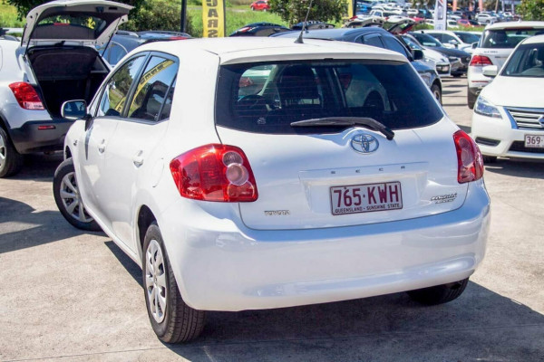 2007 Toyota Corolla ZRE152R Ascent Hatchback Image 2
