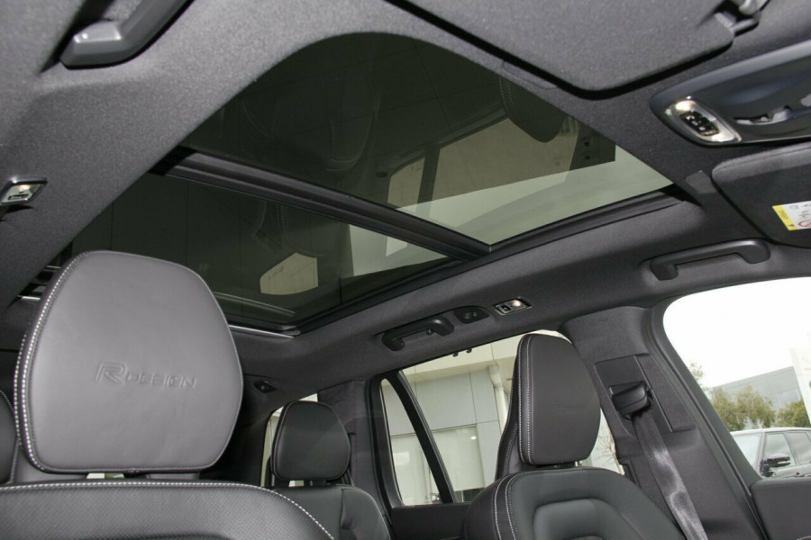 2018 Volvo XC90 L Series D5 R-Design Suv Mobile Image 15