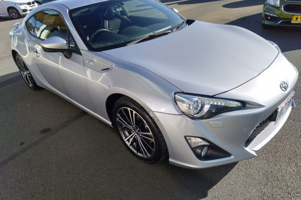 2014 Toyota 86 ZN6 GTS Coupe Image 4