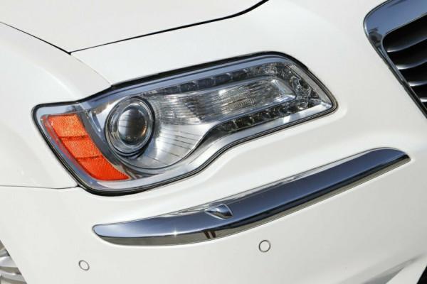 2012 MY13 Chrysler 300 LX Limited Sedan Image 4