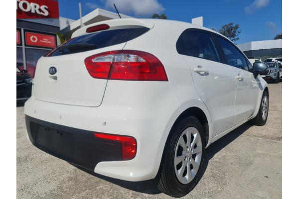 2016 Kia Rio UB  S Hatchback Image 5