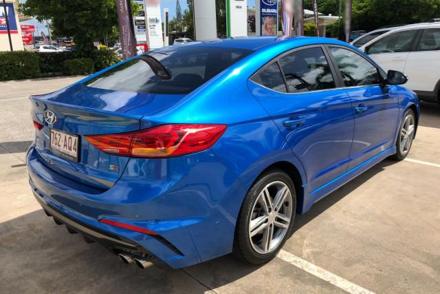 2016 MY17 Hyundai Elantra AD  SR Turbo Sedan Image 4