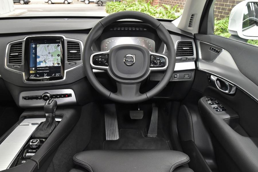 2019 Volvo XC90 L Series T6 Momentum Suv Mobile Image 3