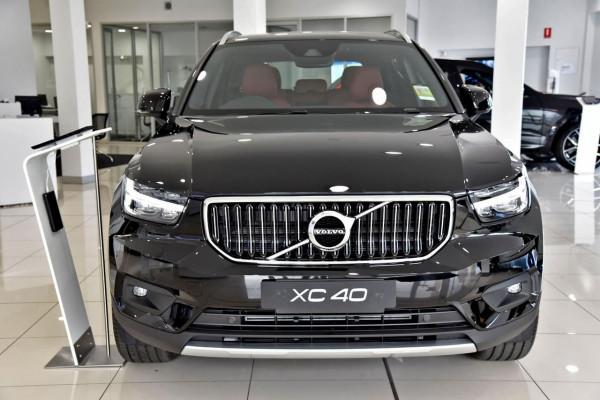 2021 Volvo XC40 XZ T4 Inscription Suv Image 2