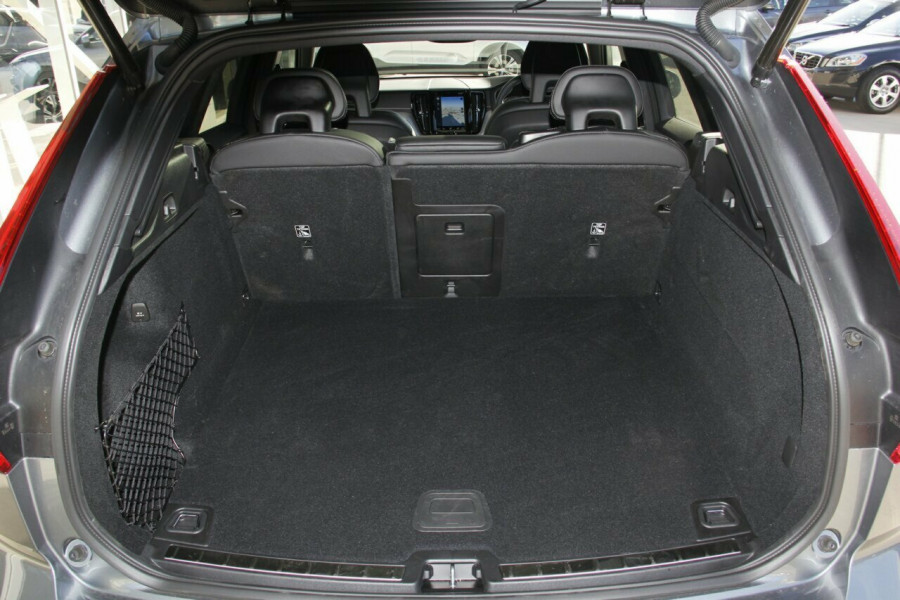 2018 Volvo XC60 UZ D5 R-Design Suv Mobile Image 19