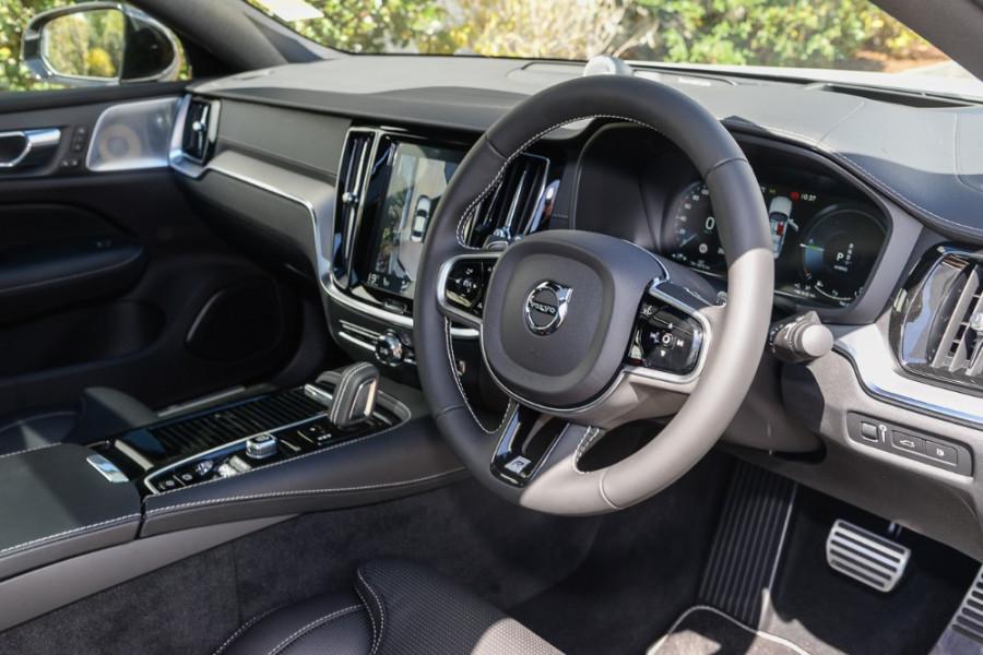 2019 MY20 Volvo S60 Z Series T8 R-Design Sedan Mobile Image 6