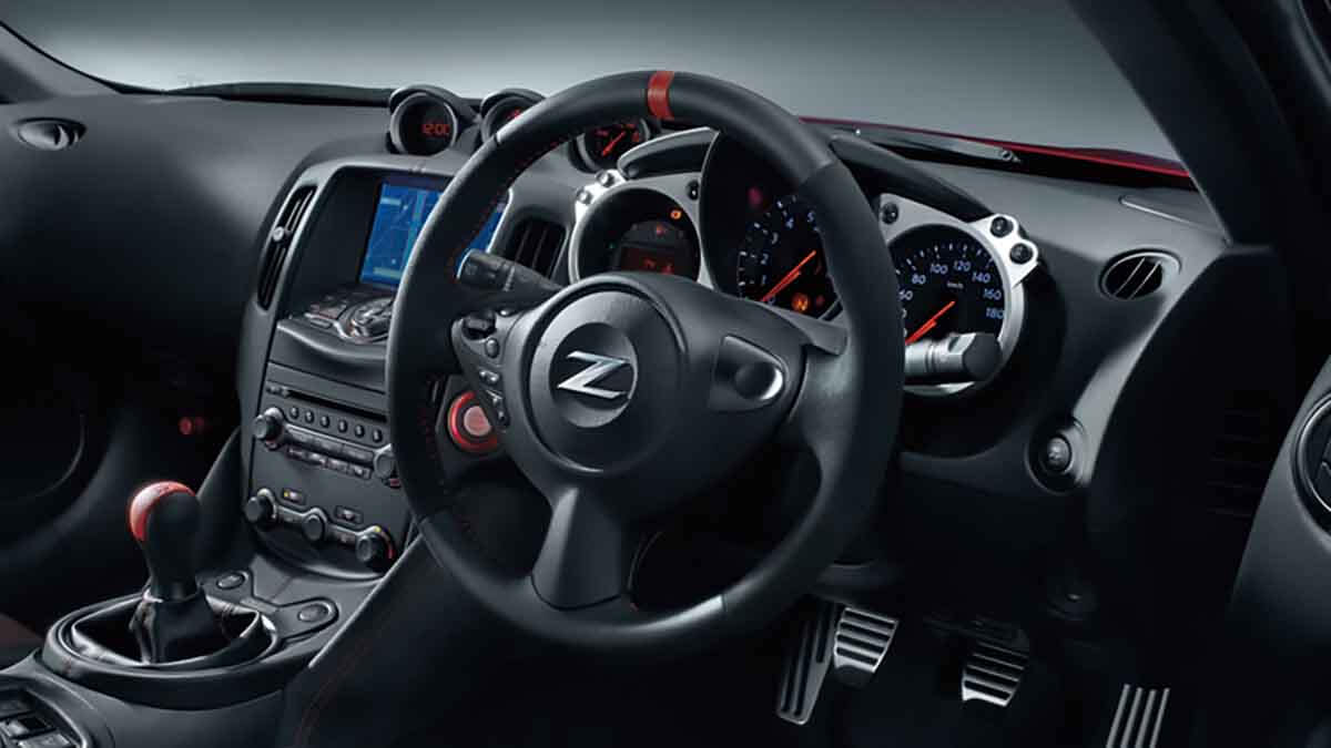 370Z 50th Anniversary Edition dash and steering wheel Image