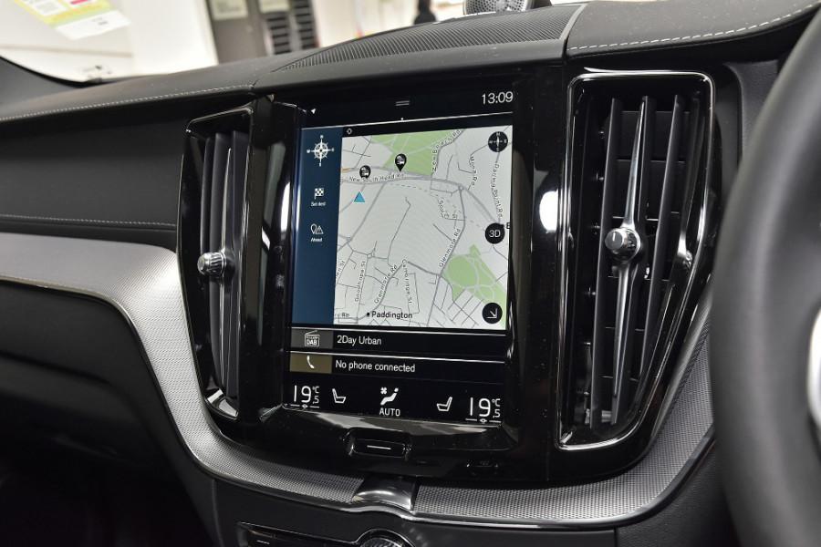 2020 Volvo XC60 UZ T6 R-Design Suv Mobile Image 12