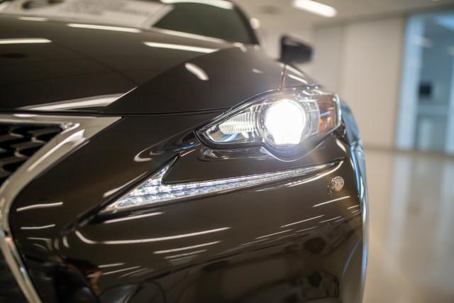 2016 Lexus Is GSE31R 350 F Sport Sedan Image 9