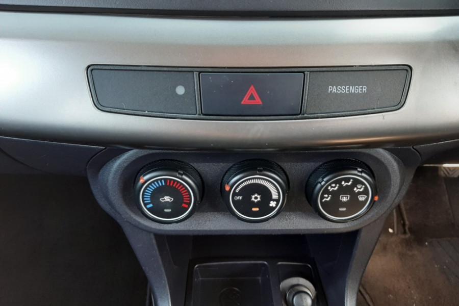 2013 Mitsubishi Lancer CJ ES Hatchback