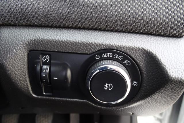 2012 Holden Cruze SRi 11 of 22