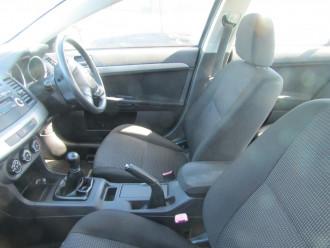 2010 Mitsubishi Lancer CJ MY10 ES Sedan Image 5