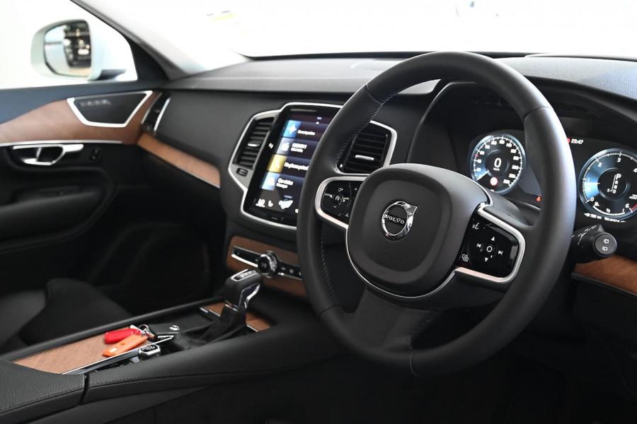 2020 MYon Volvo XC90 L Series D5 Momentum Suv Image 12