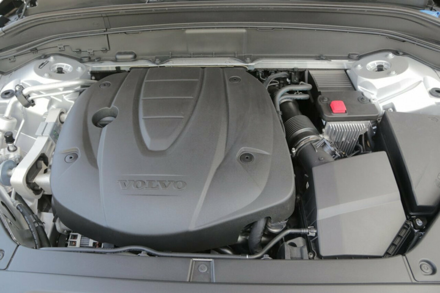 2018 MY19 Volvo XC90 L Series D5 Momentum (AWD) Suv Mobile Image 19