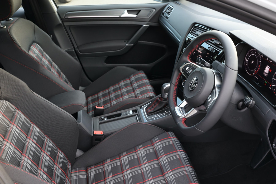 2020 Volkswagen Golf 7.5 GTI Hatchback Image 7