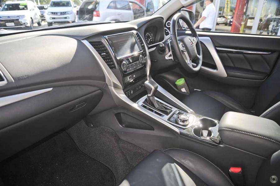 2017 Mitsubishi Pajero Sport QE Exceed Wagon
