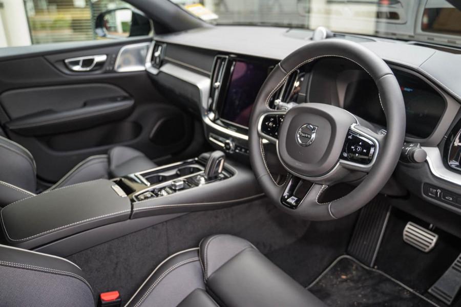 2020 Volvo S60 Z Series T8 R-Design Sedan Image 5
