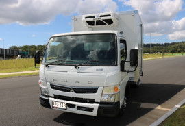Fuso EX DEMO Canter 2 pallet Fridge Truck FREE SERVICING + INSTANT ASSET WRITE OFF WIDE CAB 515 MANUAL
