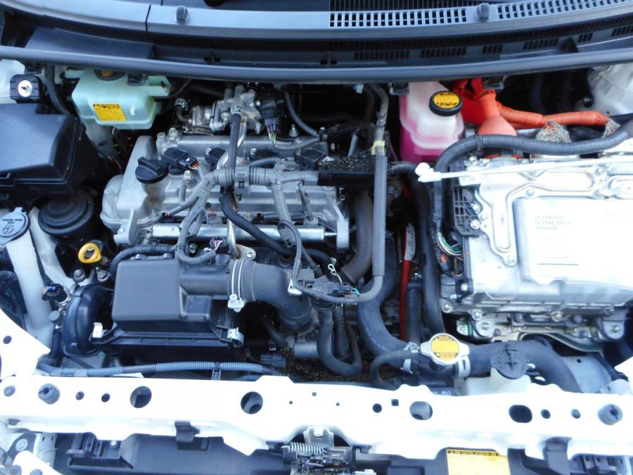 2013 MY12 Toyota Prius Image 21