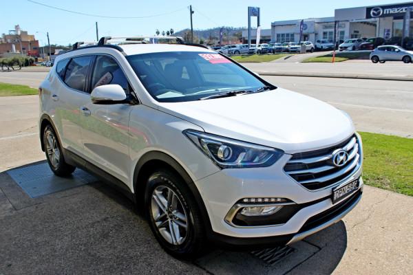 2017 Hyundai Santa Fe DM3  Active Suv Image 4