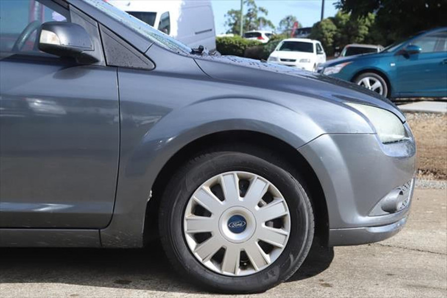 2007 Ford Focus LT CL Sedan Image 5
