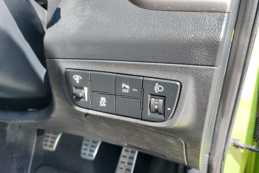 2012 Hyundai Veloster FS2 + Hatchback Image 21