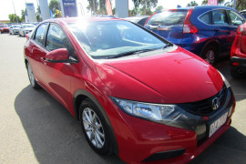 2013 Honda Civic 9TH GEN MY13 VTI-S Hatchback Image 2