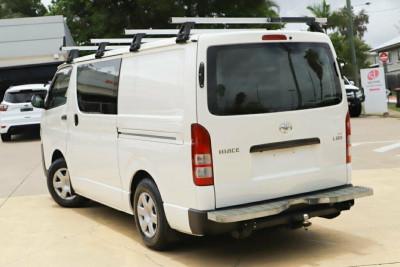 2015 Toyota Hiace KDH201R Van Image 2