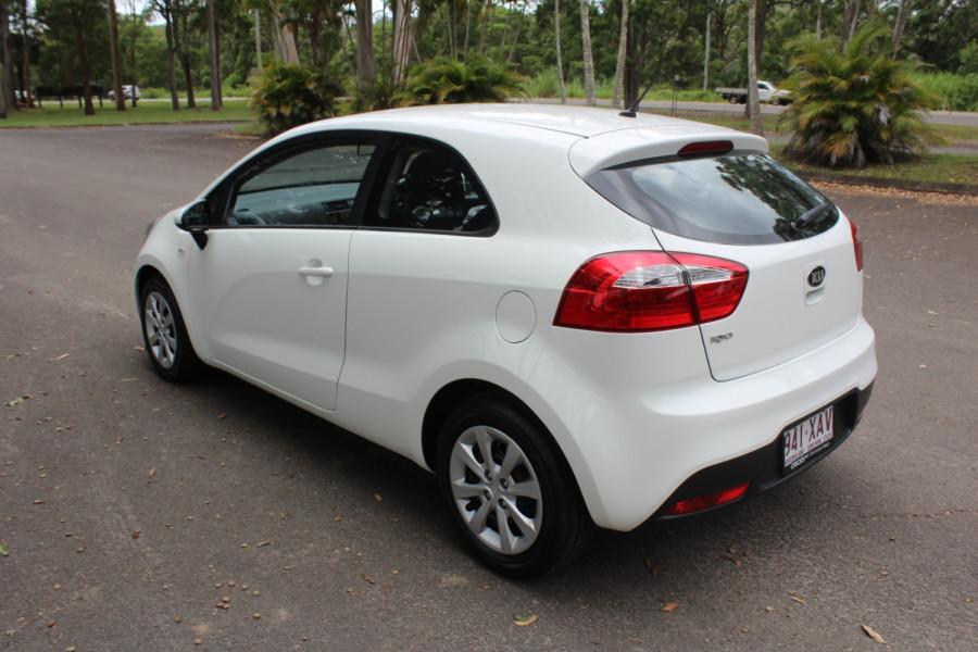 2014 Kia Rio UB  S Hatchback Image 6