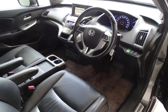 2011 Honda Odyssey Luxury 23 of 30