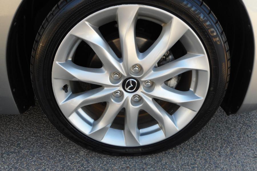 2015 Mazda 3 Hatchback Image 9