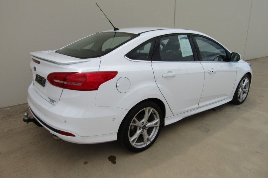 2016 Ford Focus LZ TITANIUM Sedan