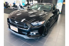 2017 Ford Mustang Image 3