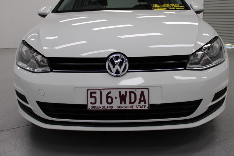 2015 Volkswagen Golf VII  90TSI Hatchback Image 6