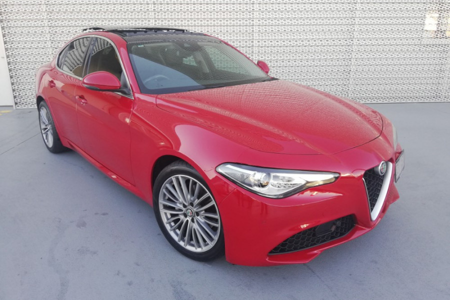 2016 Alfa Romeo Giulia Super Sedan Mobile Image 1
