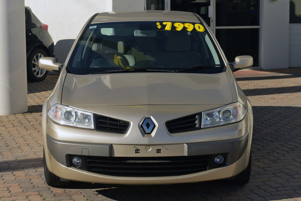 2006 Renault Megane II L84 Expression Sedan Image 3