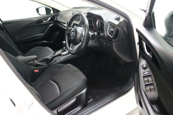 2016 Mazda 3 BM5478 MAXX Hatchback Image 4