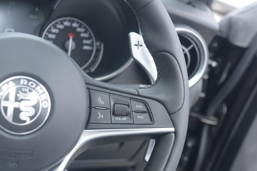 2018 Alfa Romeo Stelvio Ti Suv Image 20