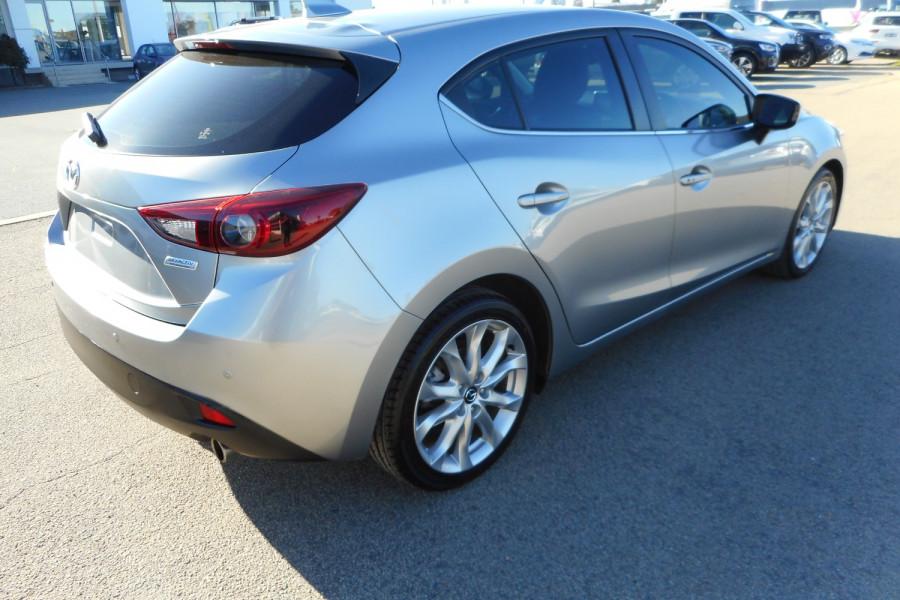 2015 Mazda 3 Hatchback Image 8