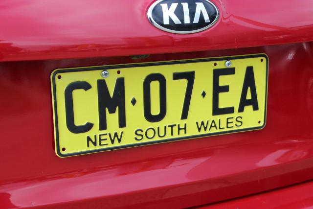 2017 Kia Cerato YD  S Hatchback Mobile Image 7