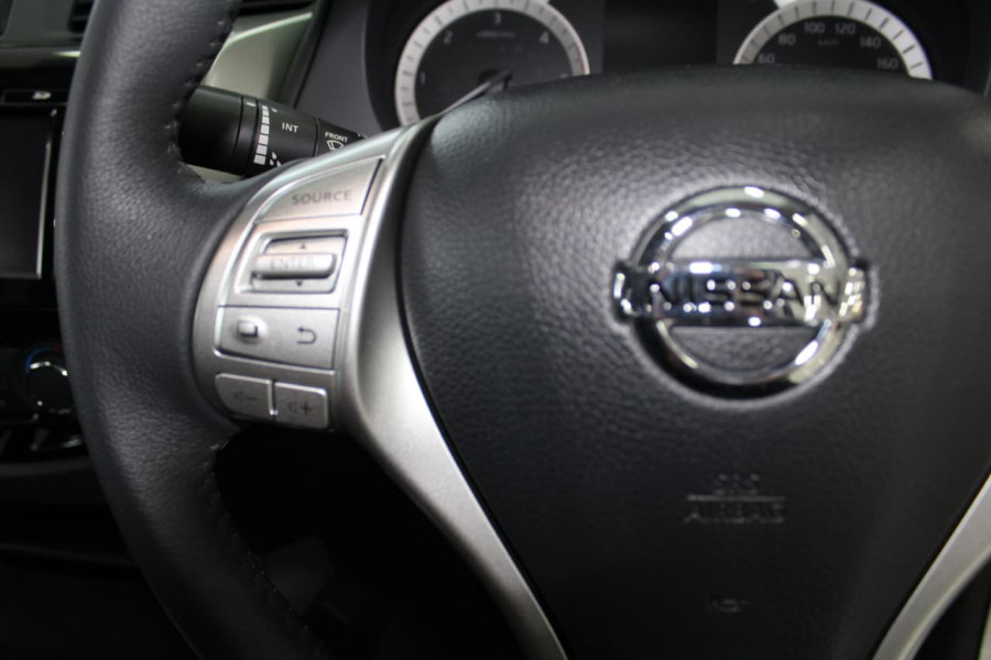 2018 Nissan Navara D23 Series 3 ST 4X2 Dual Cab Pickup Utility