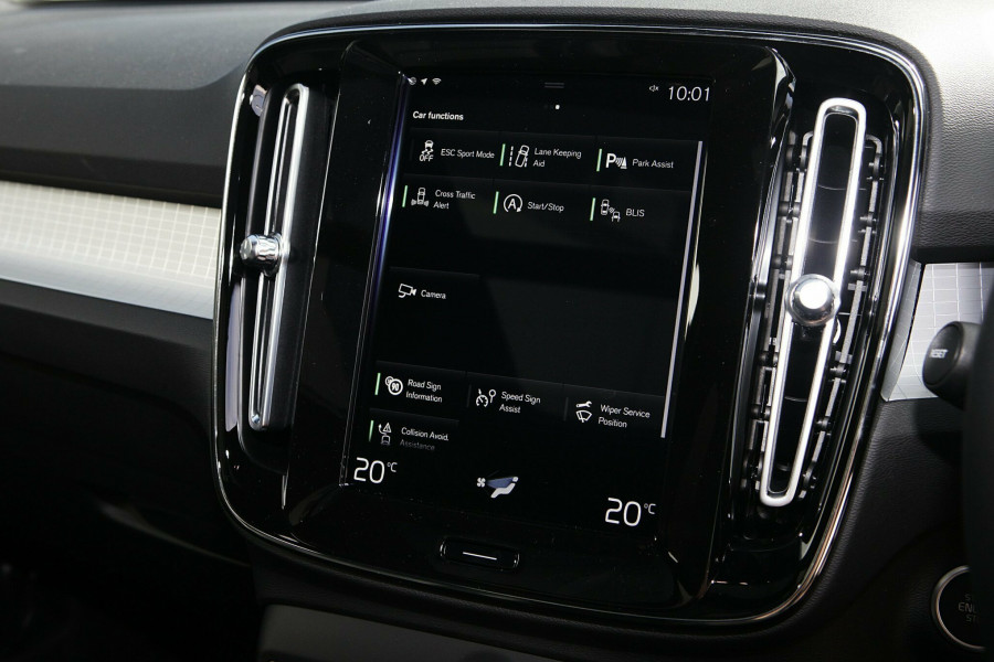 2019 Volvo XC40 T4 Momentum Suv Mobile Image 15