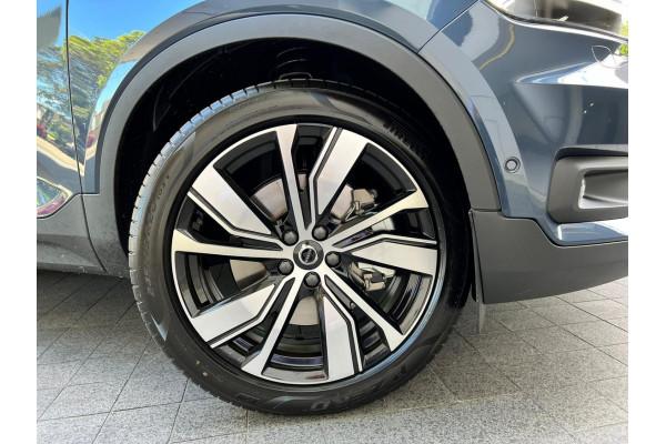 2022 Volvo XC40 Recharge PHEV Suv Image 4