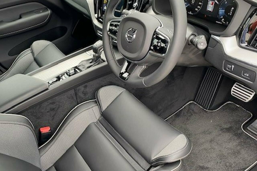 2019 MY20 Volvo XC60 UZ D5 R-Design Suv Image 23