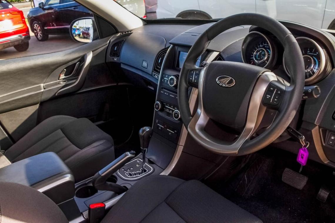2020 MY19 Mahindra XUV500 W6 FWD Suv Image 6