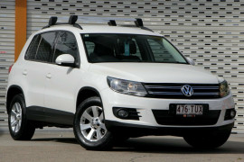 Volkswagen Tiguan 103TDI DSG 4MOTION Pacific 5N MY14