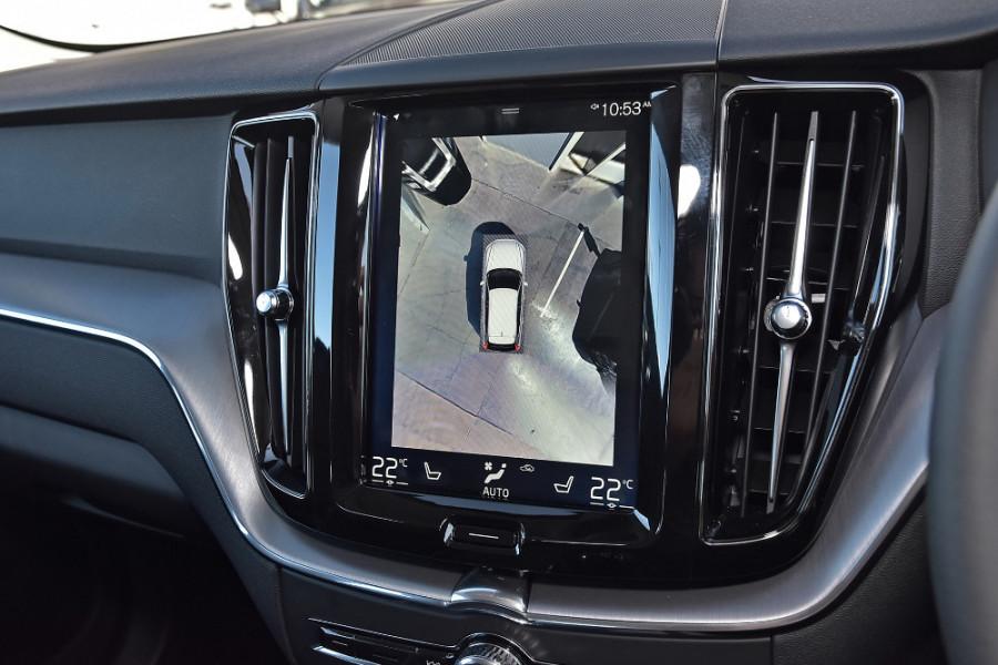 2019 Volvo XC60 UZ D4 Momentum Suv Mobile Image 15